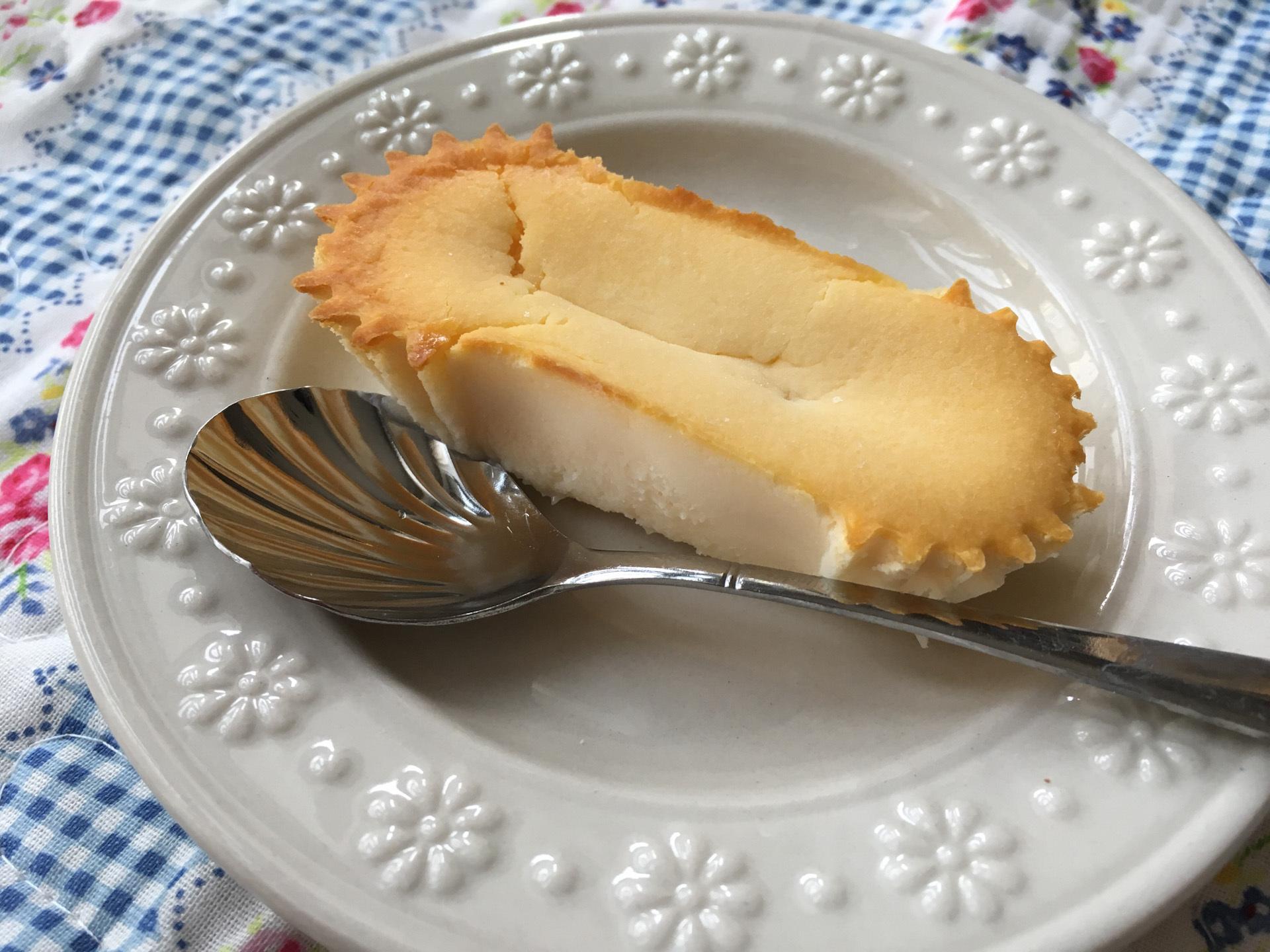 モスバーガー「ひんやりドルチェ ベイクドチーズ」