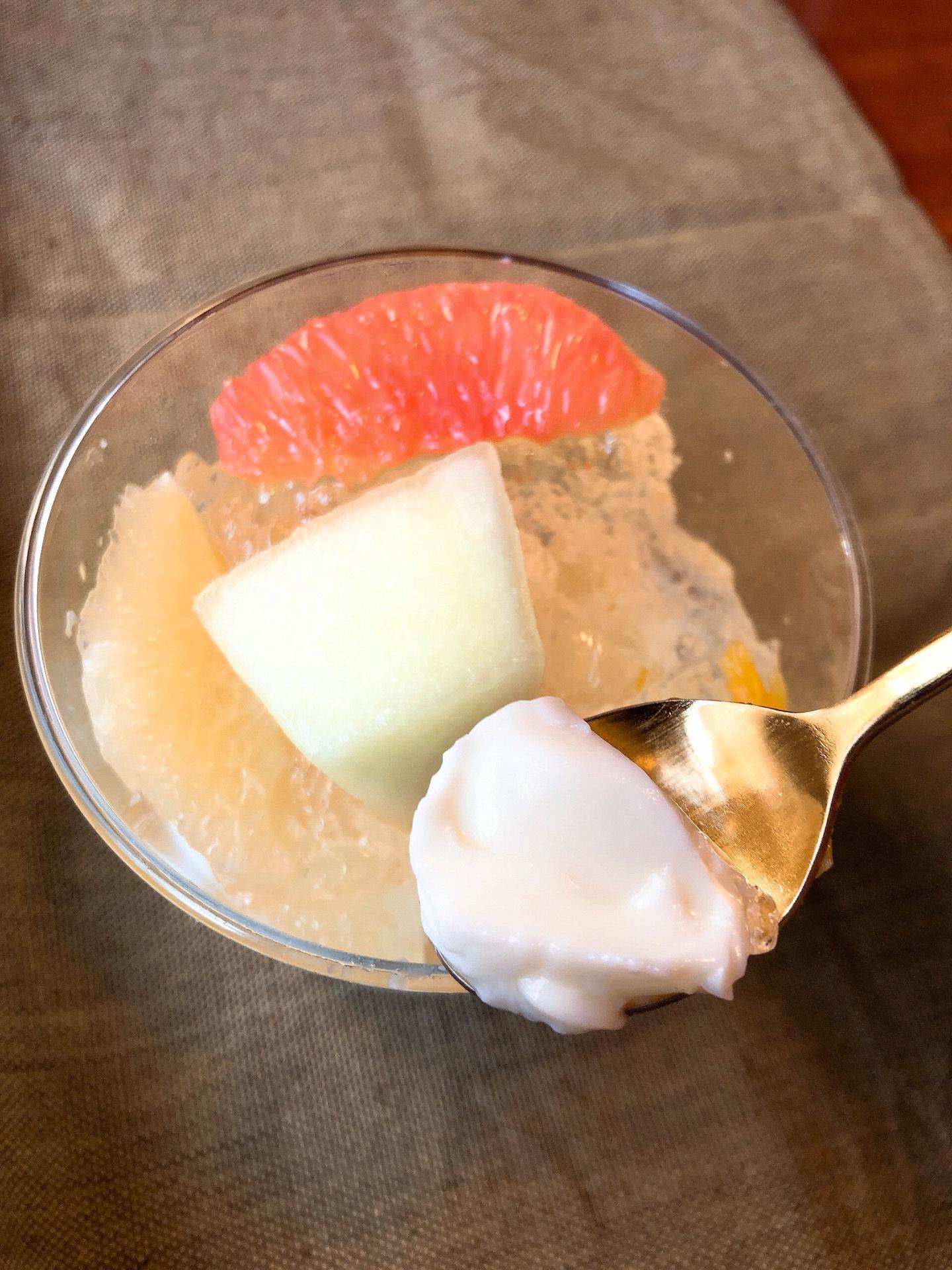 【成城石井】フレッシュ柑橘とメロンの杏仁豆腐