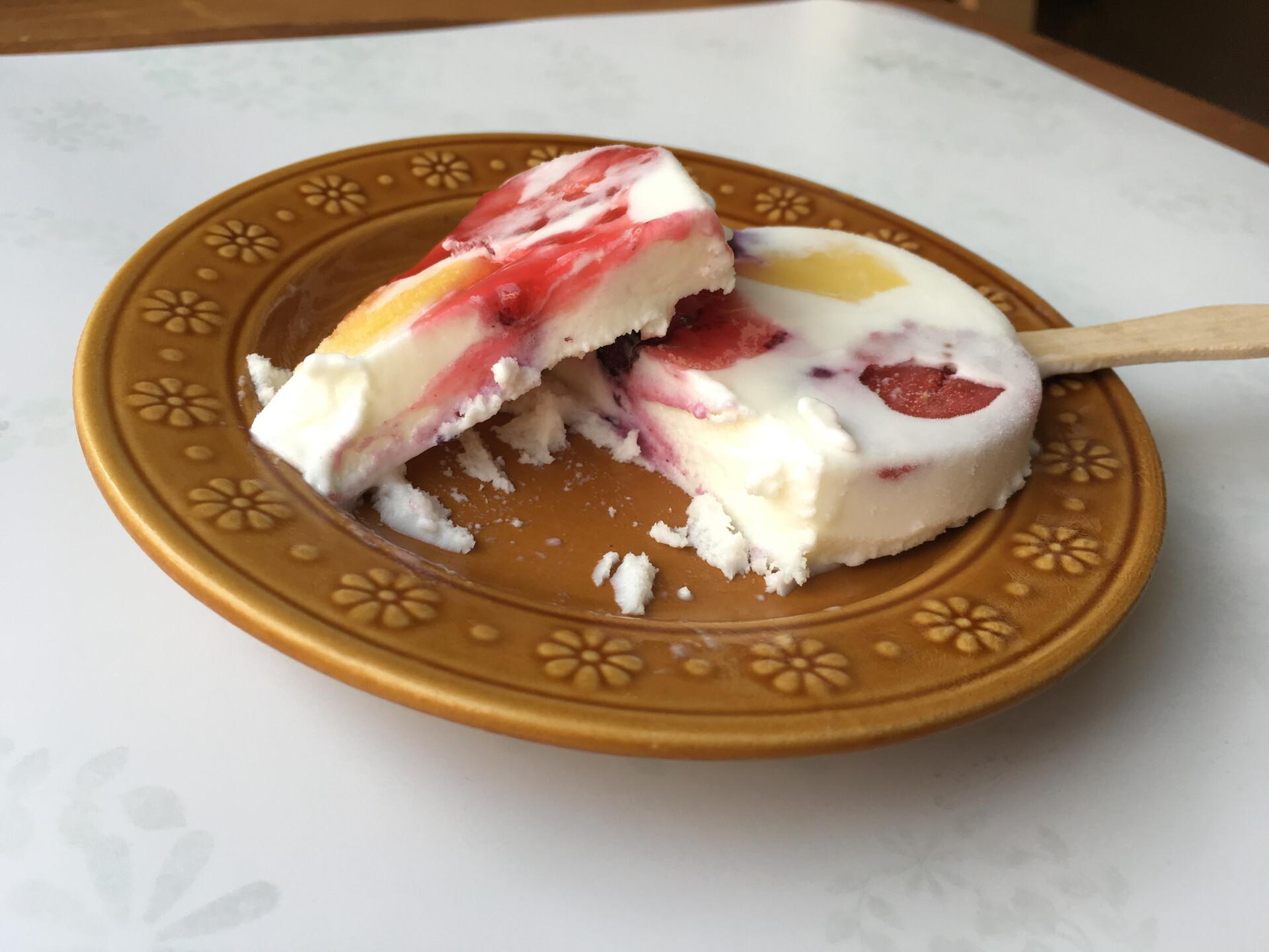【ミニストップ】パインベリーチーズアイスクリーム