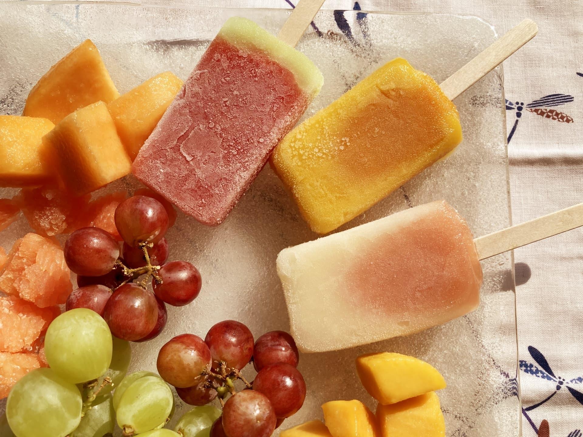 セブンイレブンのアイス「まるですいか、まるで完熟マンゴー、まるで完熟白桃」