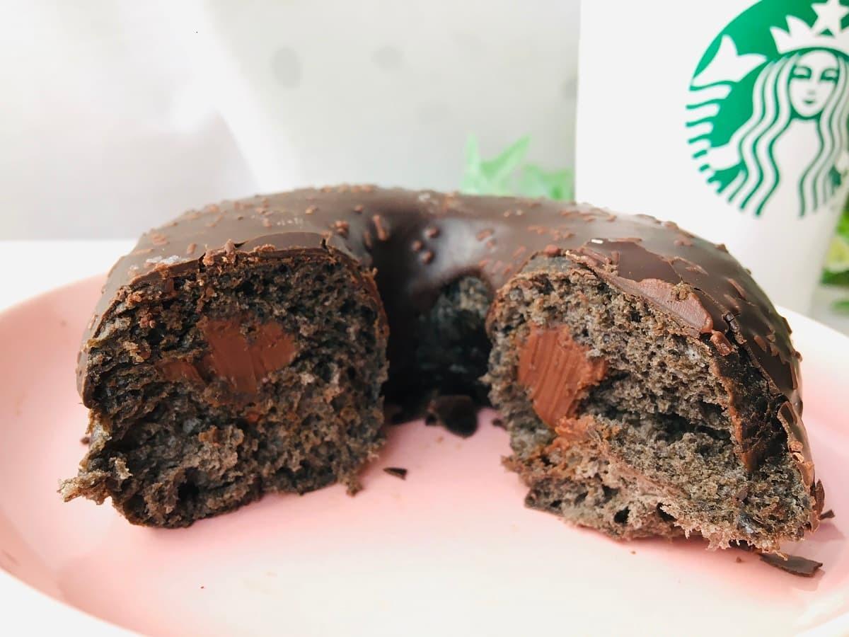 スターバックスチョコレートクリームドーナツ