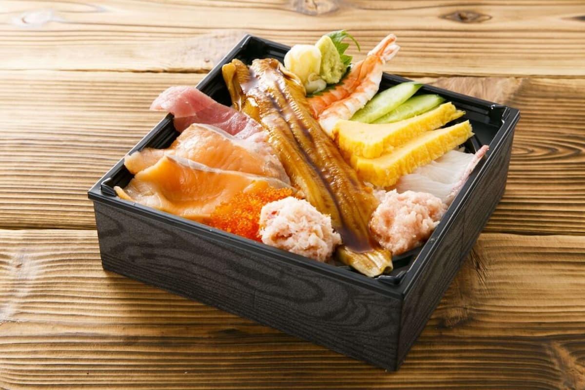 海鮮こぼれ丼(テイクアウト価格:980円 税抜)