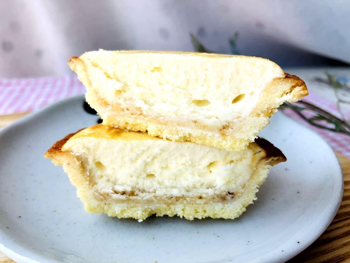 ファミリーマートバター香る焼きチーズタルト
