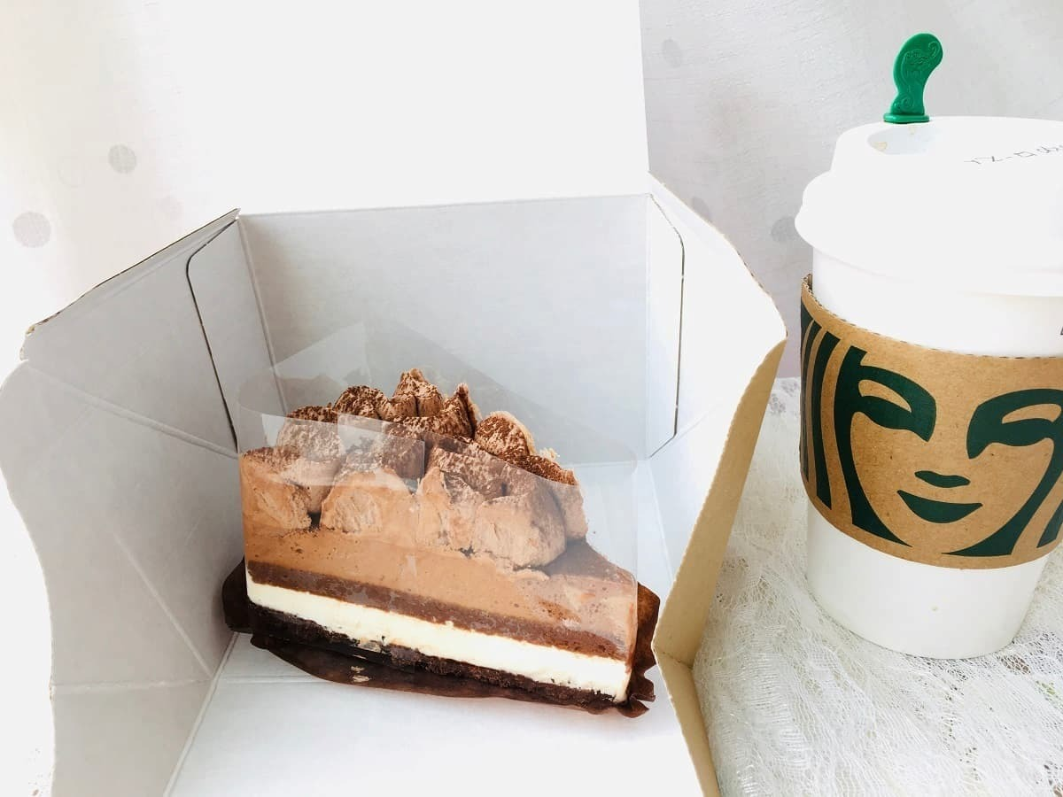 スターバックスクラシックチョコレートケーキ