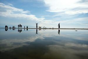 湖 日本 ウユニ 塩