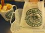 函館ご当地ハンバーガー「ラッキーピエロ」!驚きと魅惑の店内とメニューをご紹介