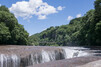 群馬のナイアガラ「吹割の滝」で遊歩道散策!紅葉シーズンがおすすめ?