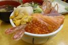 伊東で味わう人気の海鮮丼!美味しくて安い店やメガ盛の有名店などの情報も