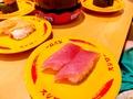 回転寿司チェーン・スシローとくら寿司の美味しさを比較!ネタや値段の違いは?