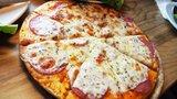 ドミノピザの1kgチーズピザがSNSで大流行!チーズ好きおすすめの一品とは