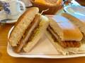 【コメダ珈琲店】新宿中村屋とコラボ!本格カレーのカツカリーパンを実食
