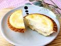 実食!これはもはや専門店の味!ファミマ「バター香る焼きチーズタルト」