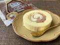 【実食】今回の八天堂コラボはチョコ味!ローソン「かすたーどチョコロール」