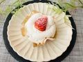 実食!スペシャリテ新作!ぷち贅沢♡ローソン「絹白クリームの苺ショート」