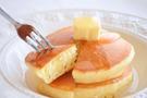 ホットケーキに炭酸水を入れるとふわふわに!簡単にできるレシピをご紹介