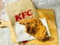 実食!KFC「パリパリ旨塩チキン」が復活!ピリッと黒胡椒と爽やかな風味