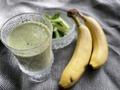 定番【小松菜スムージー】の簡単レシピをご紹介!バナナ以外に何を入れる?