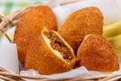 【カレーパン】は定番の惣菜パン!魅力や美味しい専門店の情報も