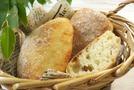 【チャバタ】はイタリア伝統のパン!アレンジすればパニーニに?